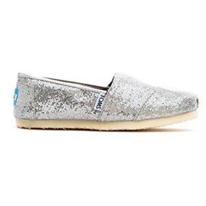 ⚡️FLASH SALE⚡️TOMS Silver Glitters Slip On Shoes